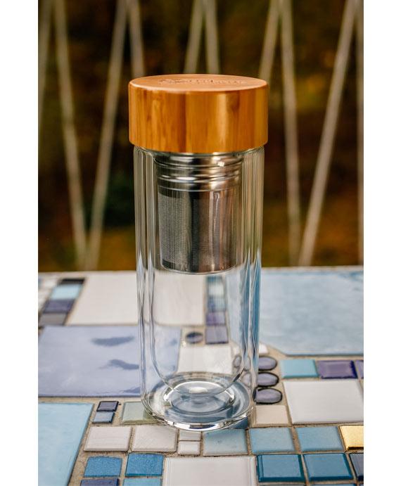 Glasflasche mit Bambus